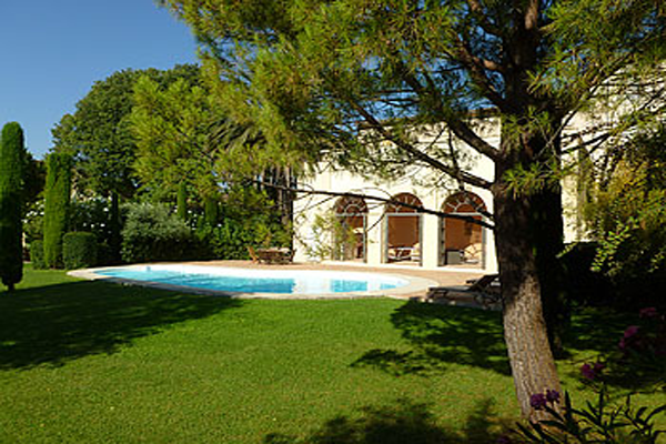 "French Property Of The Week: ""Wine Growers Manor"" Large Villa in the South of France"