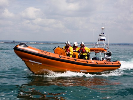 Littlehampton and Selsey RNLI in joint rescue operation